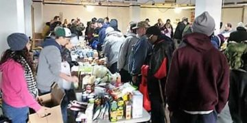 Students distribute clothes, personal items and gift cards to veterans and their families