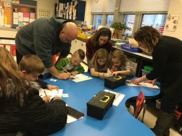 imgParents and Students Worked Together to Escape with Literacy