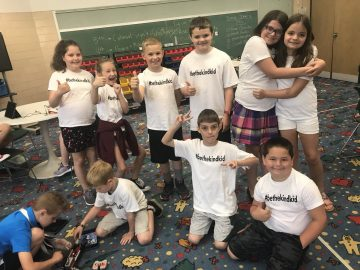 Avonworth Students Spreading Kindness